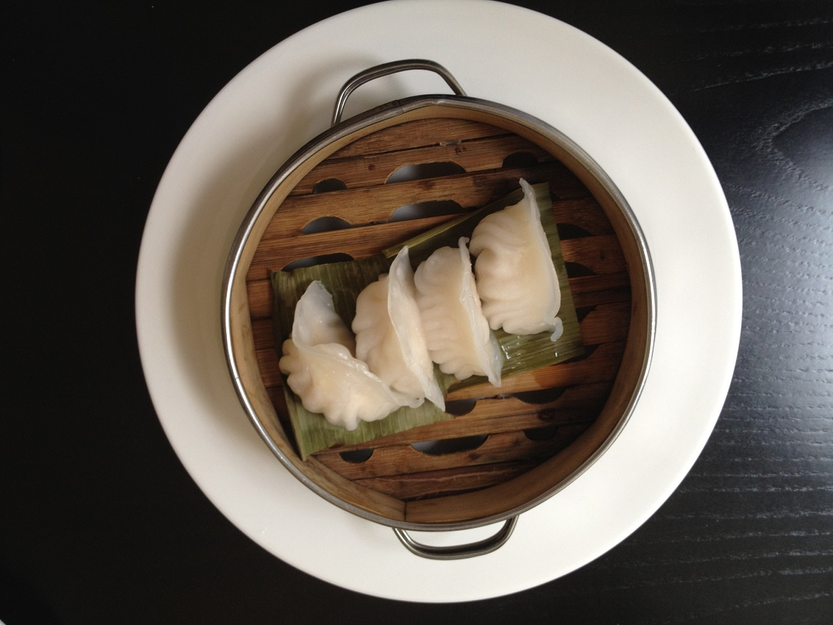 Dim sum with shrimps and wild garlic