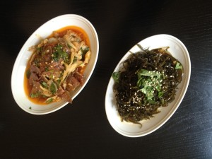 Beef carpaccio and tripe in a spicy Sichuan-sauce, Sweet-sour-spicy seaweed-salad