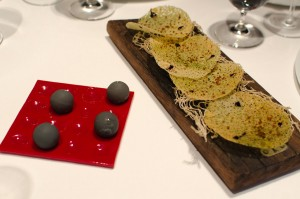 Crispy sesame and Carpano bombon with grapefruit and black sesame
