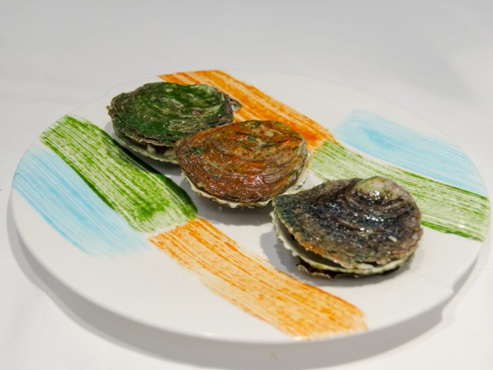 Oysters, color | Warm and colorful oysters, together with leek, pumpkin and blueberries