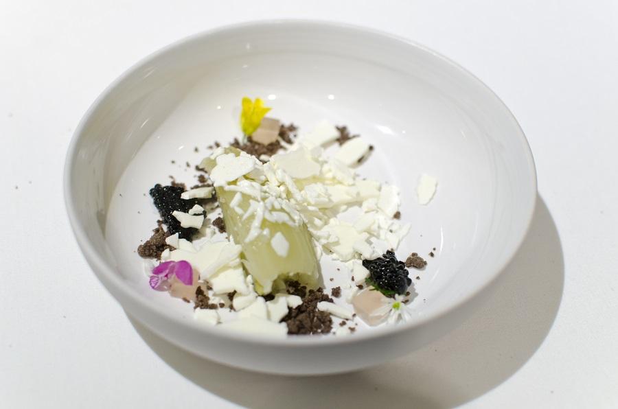 Baked fennel, glacier ice cream, rouge apple juice, sturgeon caviar from Walter Grüll